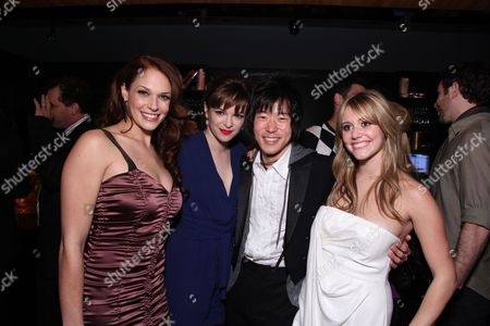 HOLLYWOOD, CA: Amanda Righetti, Danielle Panabaker, Aaron Yoo and Julianna Guill at New Line Cinema and Paramount Pictures Los Angeles Premiere of 'Friday The 13th' on February 09, 2009 at the Grauman's Chinese Theatre in Hollywood, California.