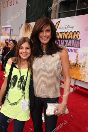 HOLLYWOOD, CA - APRIL 02: Emerson Rose Tenney and Teri Hatcher at the World Premiere of Walt Disney Pictures 'Hannah Montana The Movie' on April 02, 2009 at the El Capitan Theatre in Hollywood, California.