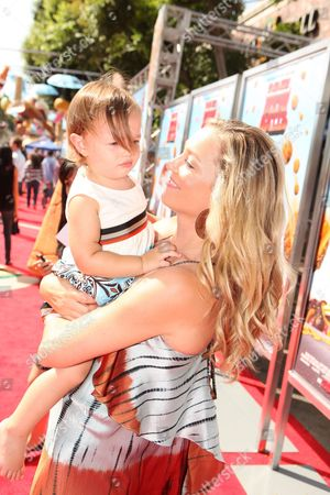 WESTWOOD, CA - SEPTEMBER 12: Elizabeth Rohm and daughter Easton August Anthony at Columbia Pictures Premiere of 'Cloudy with a Chance of Meatballs' on September 12, 2009 at Mann Village Theatre in Westwood, California.