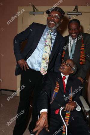 LOS ANGELES, CA - SEPTEMBER 22: **EXCLUSIVE** Samuel L. Jackson and Robert Guillaume at Artist for a new South Africa Jabulani Celebration on September 22, 2009 at Wiltern Theatre in Los Angeles, California.