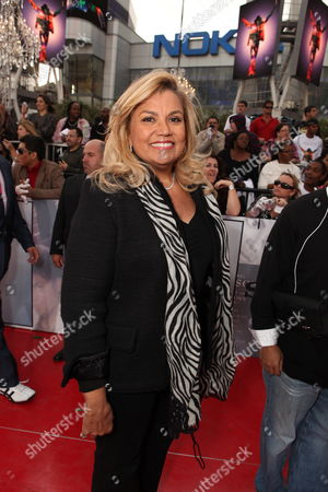 LOS ANGELES, CA - OCTOBER 27: Suzanne De Passe at Columbia Pictures' Premiere of Michael Jackson's 'This Is It' on October 27, 2009 at the Nokia Theatre L.A. Live in Los Angeles, California.