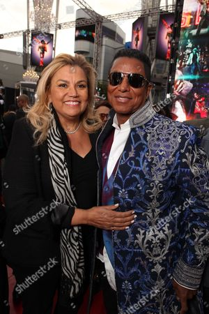 LOS ANGELES, CA - OCTOBER 27: Suzanne De Passe and Jermaine Jackson at Columbia Pictures' Premiere of Michael Jackson's 'This Is It' on October 27, 2009 at the Nokia Theatre L.A. Live in Los Angeles, California.