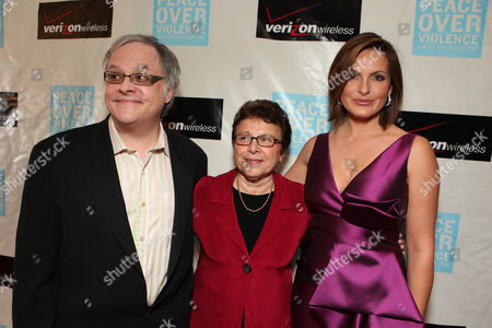 BEVERLY HILLS, CA - NOVEMBER 06: Neal Baer, POV's Patti Giggins and Mariska Hargitay at Peace Over Violence 38th Annual Humanitarian Awards on November 06, 2009 at the Beverly Hills Hotel in Beverly Hills, California.