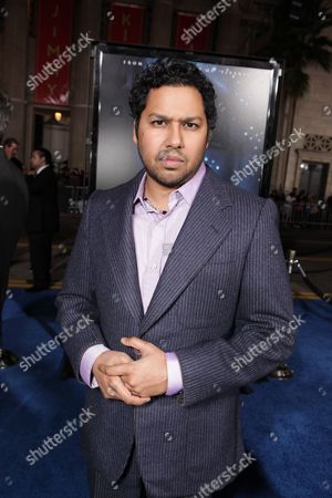 HOLLYWOOD, CA - DECEMBER 16: Dileep Rao at 20th Century Fox Los Angeles Premiere of 'Avatar' on December 16, 2009 at Mann's Chinese Theatre in Hollywood, California.