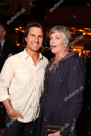 HOLLYWOOD, CA - MAY 17: **Exclusive** Tom Cruise and Kelly McGillis at the Cinematic Celebration of Jerry Bruckheimer sponsored by Sprint and AFI on May 17, 2010 at Grauman's Chinese Theatre in Hollywood, California.
