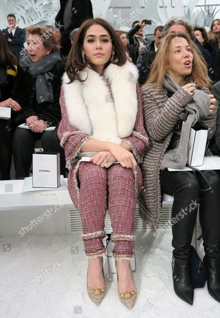 Araya Alberta Hargate in the front row