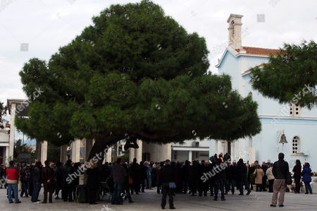 Hundreds of people attend the funeral