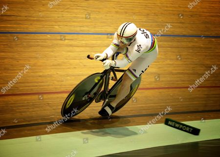 World Champion Jody Cundy on his way to winning the Gold.