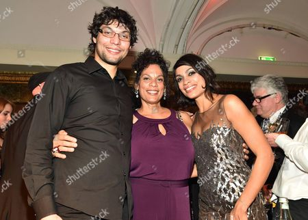 Rosario Dawson (R) with brother Clay Dawson and mother Isabel Celeste Dawson