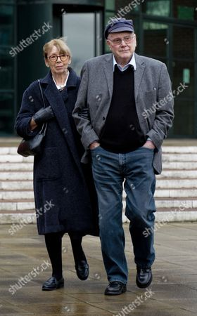 Tv Actor Kenneth Cope (r) With His Wife Renny Leaves Preston Crown Court Lancs During The Trial Of Coronation St. Actor William Roache 81.