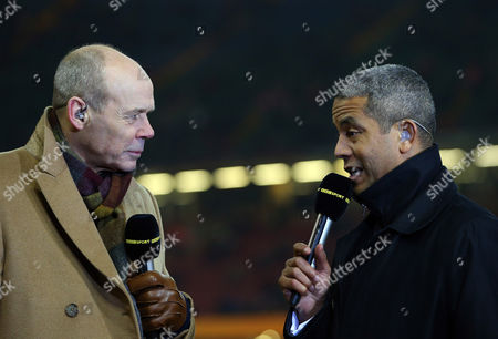Sir Clive Woodward and Jeremy Guscott working for BBC before kick off
