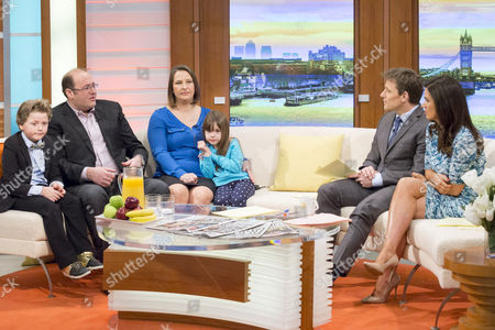 Natalie Taylor and Moshe with daughter Jessica and son Chaim with Ben Shephard and Susanna Reid