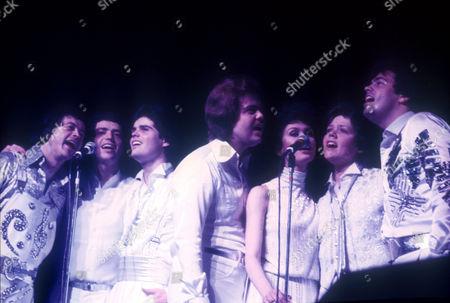 THE OSMONDS - WAYNE, JAY, DONNY, MERRYL, MARIE, JIMMY AND ALAN OSMOND, CHATELET THEATRE, PARIS, FRANCE - 1973