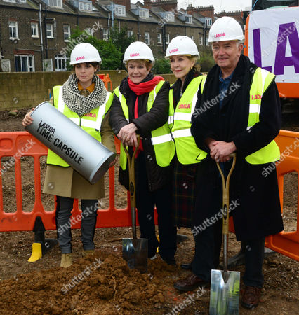 Charlotte Riley, Dame Janet Suzman, Patricia Hodge, Martin Shaw with Shakespeare time capsule