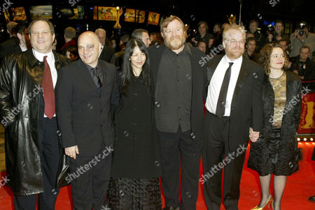 HARVEY WEINSTEIN, ANTHONY MINGHELLA AND WIFE CAROLINE, BRENDAN GLEESON AND PHILIP SEYMOUR HOFFMAN WITH GIRLFRIEND MIMI O'DONNELL
