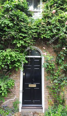 Crop Approved By Lawyer.... The House Of Lord Oakeshott Who Resigned Today Following An Opinion Poll About Liberal Democrats Leader Nick Clegg.