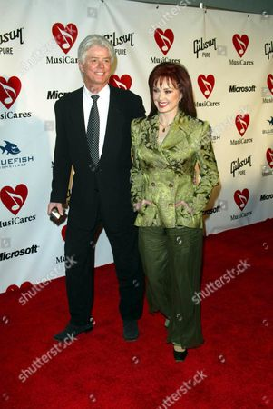 NAOMI JUDD AND HUSBAND LARRY STRICKLAND