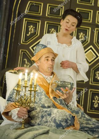 Melody Grove as Isabella, Mark Rylance as King Philippe