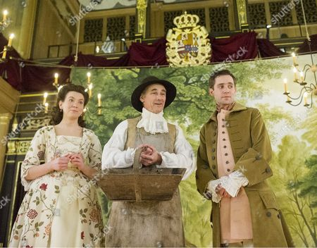 Melody Grove as Isabella, Mark Rylance as King Philippe, Sam Crane as Farinelli