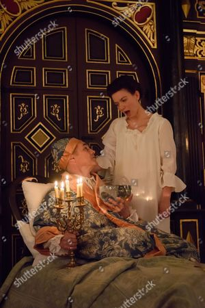 Mark Rylance (King Philippe) and Melody Grove (Isabella)