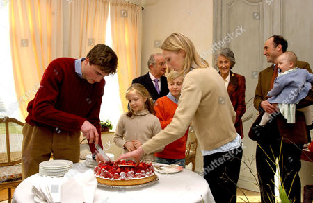 Prince Amedeo, Princess Louisa Maria, Prince Joachim and Princess Maria Laura ( back, King Albert and Prince Lorenz with Princess Laeticia Maria )