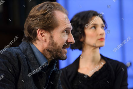 Ralph Fiennes (Jack Tanner) and Indira Varma (Ann Whitefield)