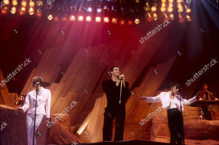 THE HUMAN LEAGUE - Susan Ann Sulley, Phil Oakey AND Joanne Catherall, PERFORMING AT THE DIAMOND AWARDS, ANTWERP, BELGIUM - DEC 1986