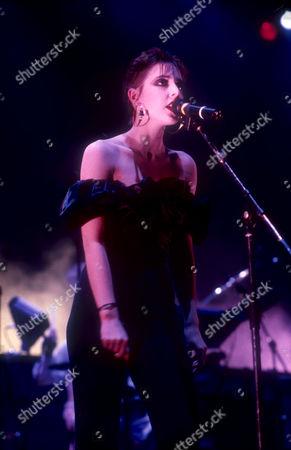 THE HUMAN LEAGUE - JOANNE CATHERALL, CRAWLEY, BRITAIN - NOV 1986