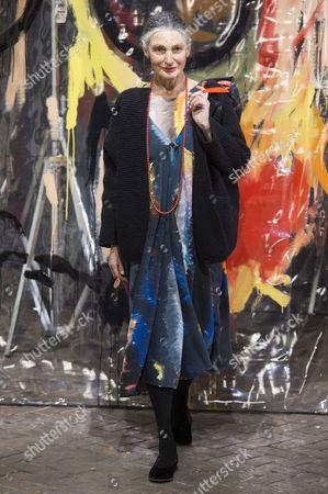 Benedetta Barzini on the catwalk