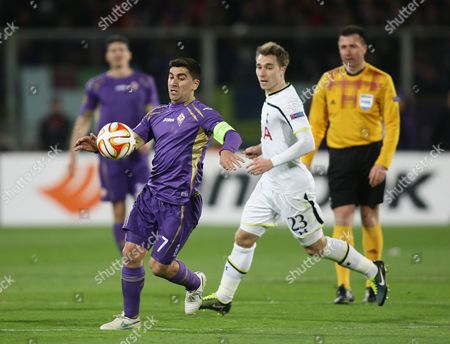 David Pizarro of Fiorentina and Christian Eriksen of Tottenham Hotspur