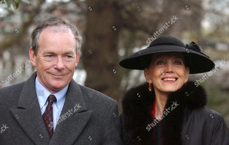 SIMON JENKINS WITH WIFE GAYLE HUNNICUTT