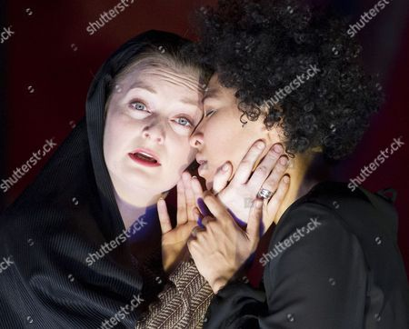 Lucy Crowe as Dona Isabel,  Julia Bullock as The Indian Queen,