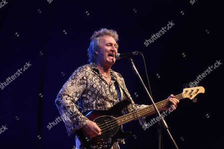 The British glamrock band The Sweet, singer and bassist Peter Lincoln at the Classic Rock Night at the Sporthalle Oberwerth venue, Koblenz, Rhineland-Palatinate, Germany, Europe
