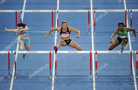 Women's Hurdles, from left to right: Nadine Hildebrand GER, Lolo Jones USA, Lacena GOLDING-CLARKE JAM, Sparkassen-Cup 2010 sports tournament, Hanns-Martin-Schleyer-Halle sports stadion, Stuttgart, Baden-Wuerttemberg, Germany, Europe