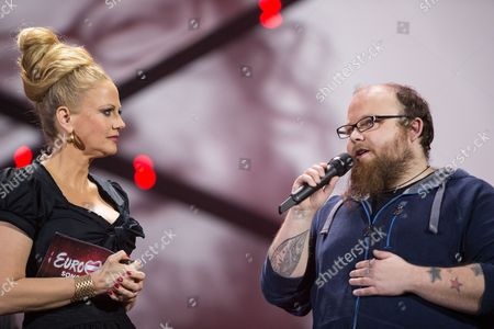 Presenter Barbara Schoneberger and Andreas Kümmert after Andreas Kümmert refused to be the German contestant for the Eurovision Song Contest