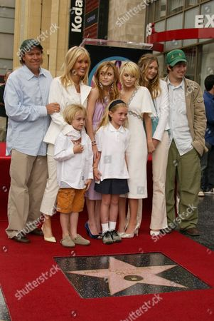 Stock Picture of David, Jarnette, Mary-Kate , Ashley Olsen , Sister Lizzie Brothe