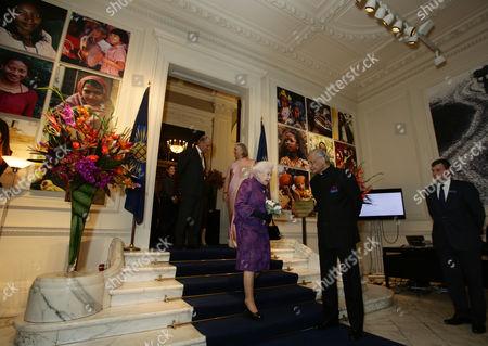 Queen Elizabeth II with Commonwealth Secretary-General Kamalesh Sharma