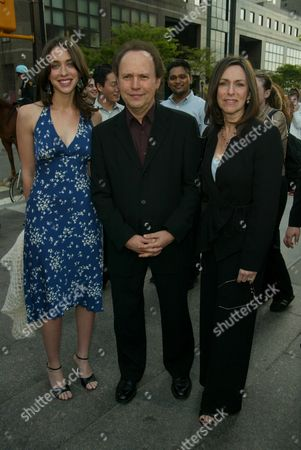 Billy Crystal with wife and daughter Lindsay Crystal