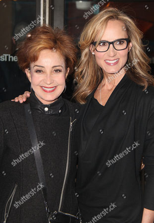 Annie Potts, Chely Wright