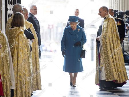 Queen Elizabeth II and The Very Reverend David Ison
