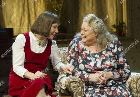 Zoe Wanamaker as Stevie,  Lynda Baron as Aunt