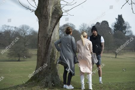 Ferne McCann ventures out to South Weald Park with Billie Faiers after her split with Charlie - Sims