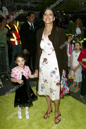 Saundra Santiago with niece