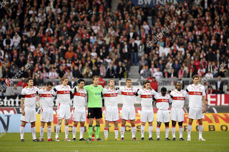 Minute of silence for the deceased goalkeeper Robert Enke, VfB Stuttgart team, Mercedes-Benz Arena, Stuttgart, Baden-Wuerttemberg, Germany, Europe