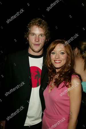Chris Pratt and Elizabeth Bogush