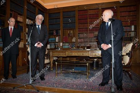 The new President Prokopis Pavlopoulos and outgoing President Karolos Papoulias