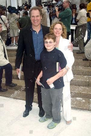 Jay O. Sanders with wife Maryann Plunkett and son