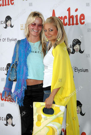 Stock Picture of COURTNEY WAGNER AND NICOLE RICHIE