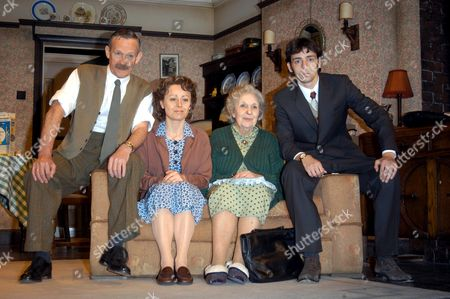 Paul Copley, Tracie Bennett, Doreen Mantle and Ralf Little