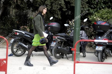 Ursina Gysi, on avenue du Mahama Gandhi,after Louis Vuitton. Paris RTW Fall-Winter PFW FW15, Street Style Fashion.